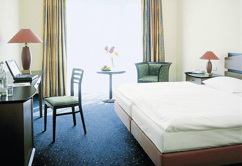 quality hotel plaza dresden dresden schn ppchen sichern. Black Bedroom Furniture Sets. Home Design Ideas