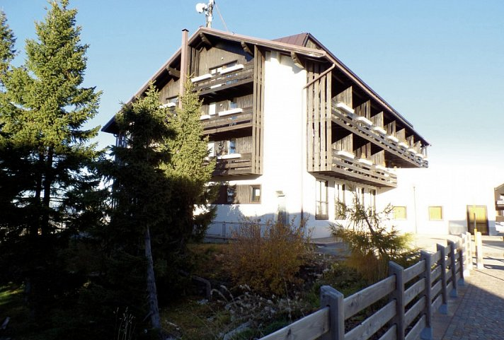 Dolomiti Chalet Family Hotel Italien Sudtirol Trentino Dolomiten Monte Bondone